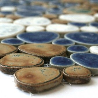 Ceramic mosaic pebble